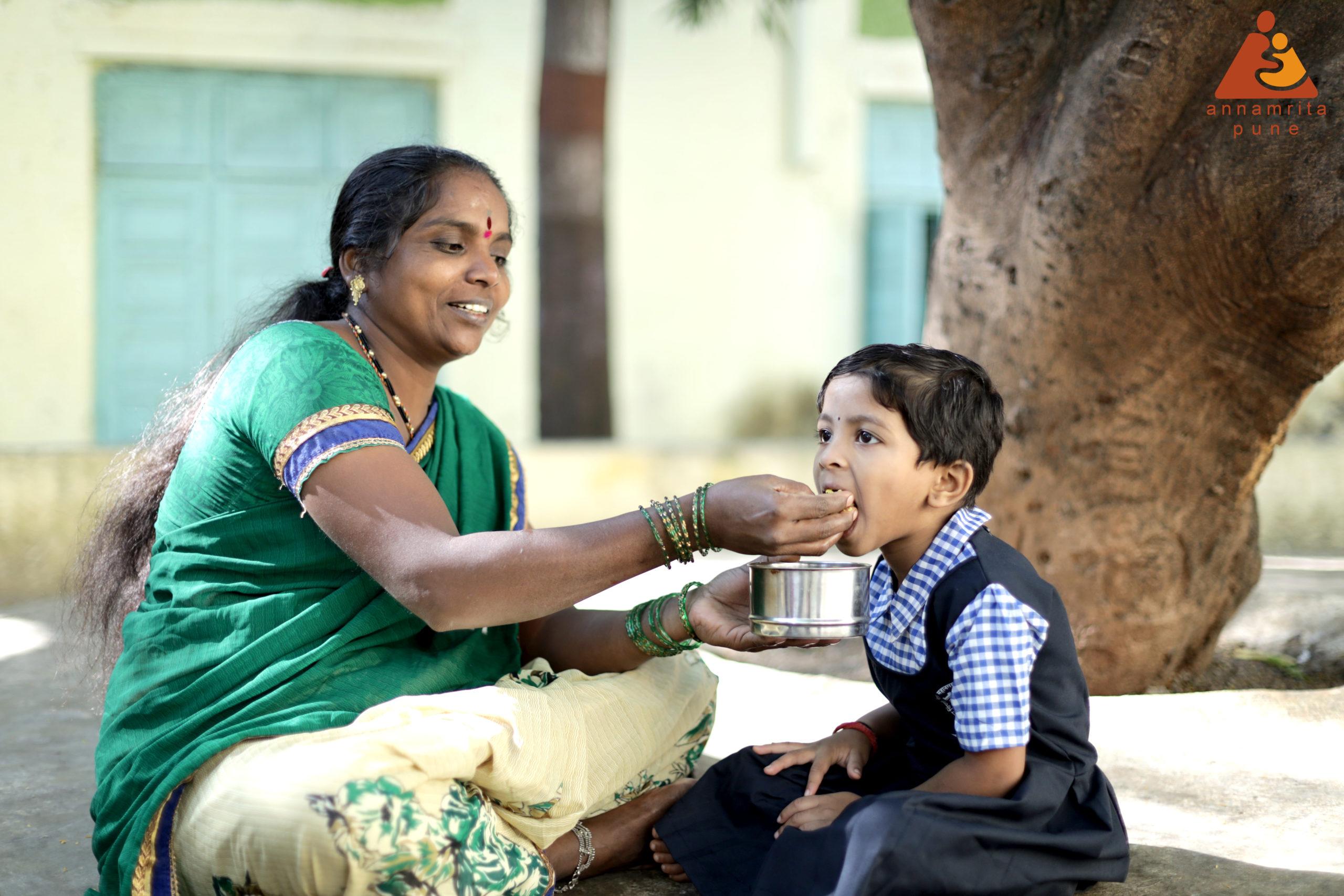 FEEDING MOM